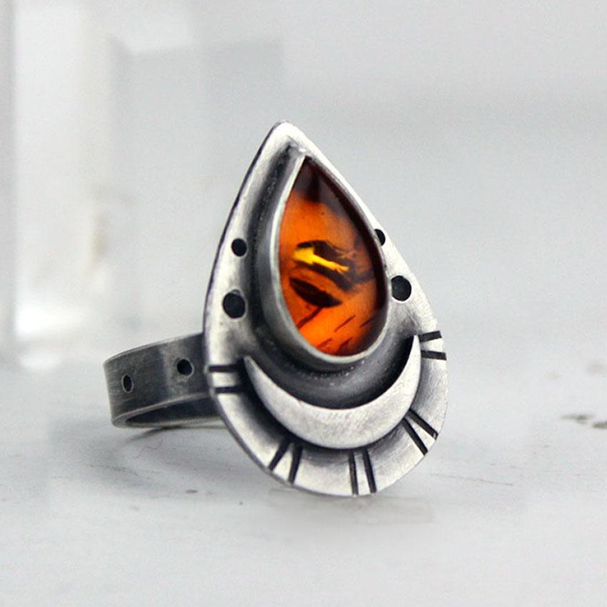 g-amber teardrop ring
